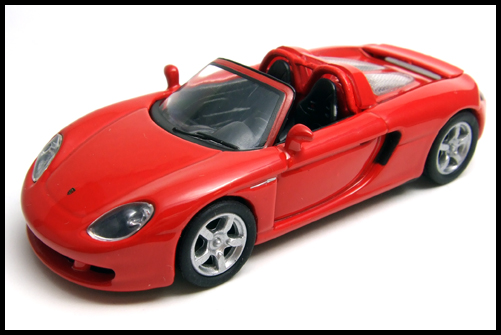 KYOSHO_PORSCHE_CARRERA_GT_RED_11