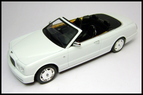 MINICHAMPS_Bentley_Azure_Limited_Edition_2008_12