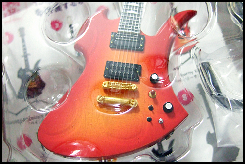 hide_Guitar_Collection_11