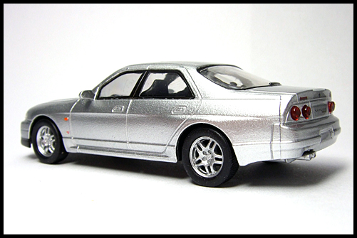 KYOSHO_NISSAN_SKYLINE_GT-R_AUTECH_VERSION_40th_ANNIVERSARY_12