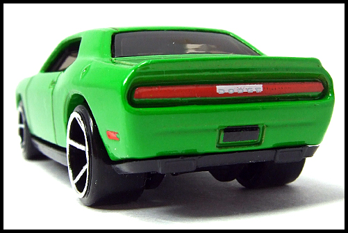 HotWheels_2008_First_Edition_Dodge_Challenger_SRT8_11