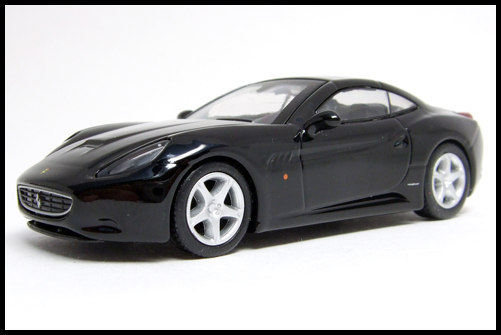 KYOSHO_FERRARI_7_NEO_California_Black_15