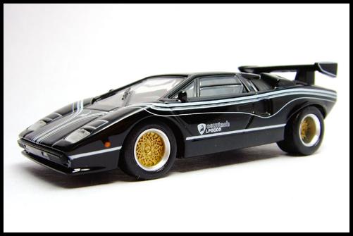 KYOSHO_Lamborghini_3_Countach_LP500R_GOLD2_16