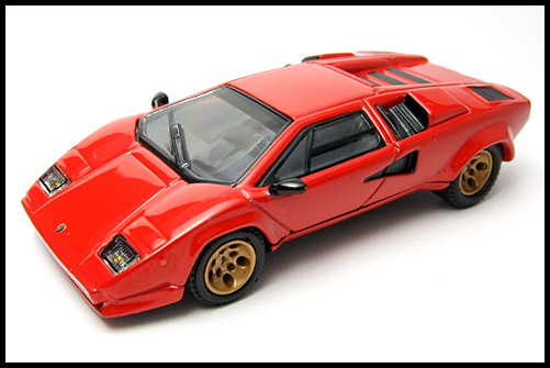 POST_HOBBY_KYOSHO_Lamborghini_Countach_LP400S_RED_17