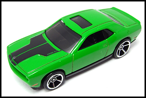 HotWheels_2008_First_Edition_Dodge_Challenger_SRT8_15