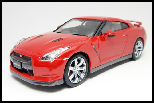 KYOSHO_NISSAN_GT-R_R35_RED4