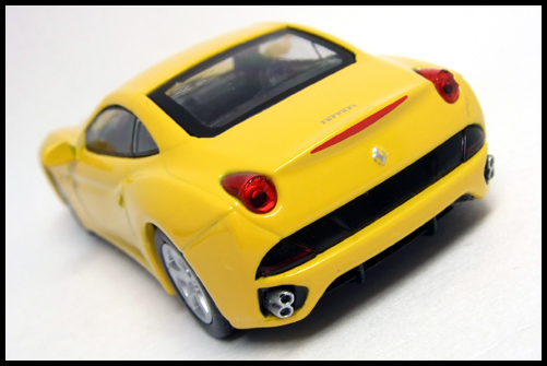 KYOSHO_FERRARI_7_NEO_California_Yellow_13