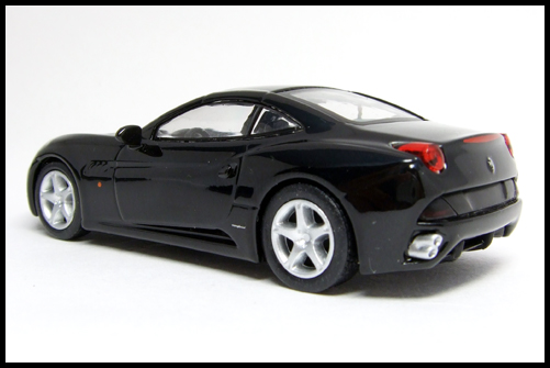 KYOSHO_FERRARI_7_NEO_California_Black_8