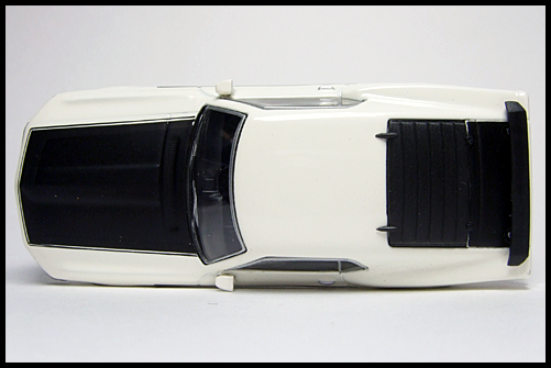 KYOSHO_USA2_Ford_Mustang_BOSS_302_4