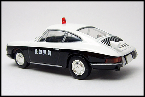 TOMICA_LIMITED_VINTAGE_Porsche_912_13