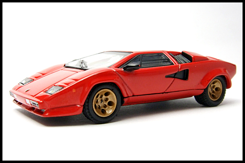 POST_HOBBY_KYOSHO_Lamborghini_Countach_LP400S_RED_2