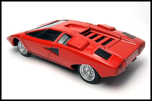 BOSS_Lamborghini_SuperCar_Collection_Countach_LP400_10