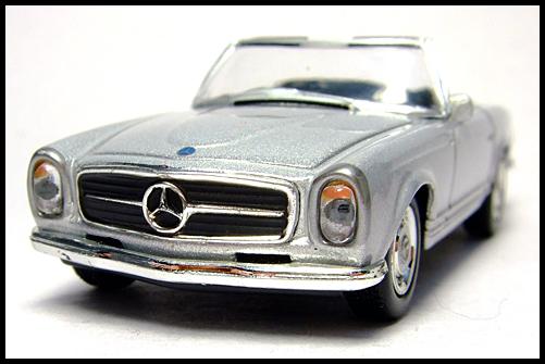 KYOSHO_Mercedes-Bentz_Typ_280_SL_Silver_3