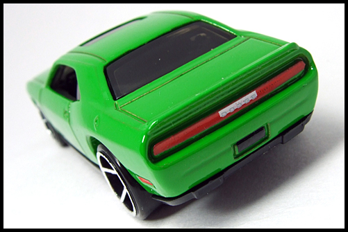HotWheels_2008_First_Edition_Dodge_Challenger_SRT8_14