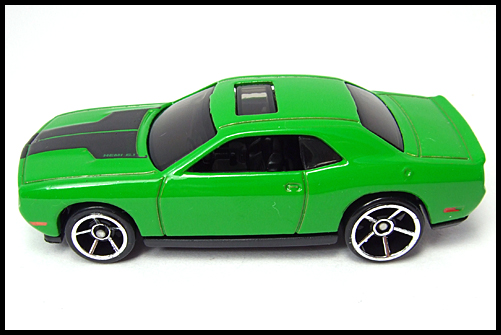 HotWheels_2008_First_Edition_Dodge_Challenger_SRT8_13