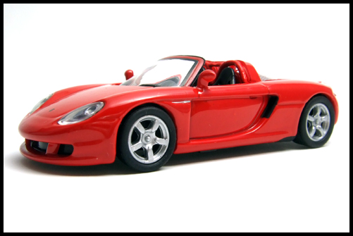 KYOSHO_PORSCHE_CARRERA_GT_RED_10