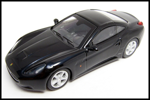 KYOSHO_FERRARI_7_NEO_California_Black_14