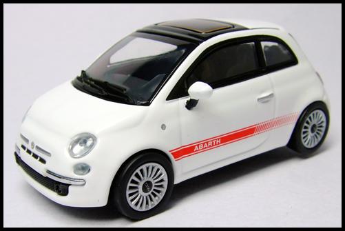 MINICHAMPS_64_Fiat_500_17