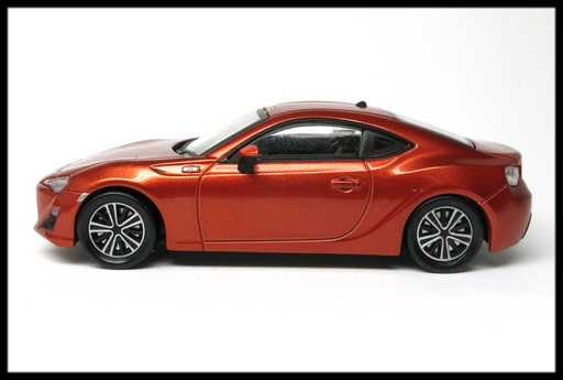 interallied_TOYOTA_86_GT_ORANGE_19